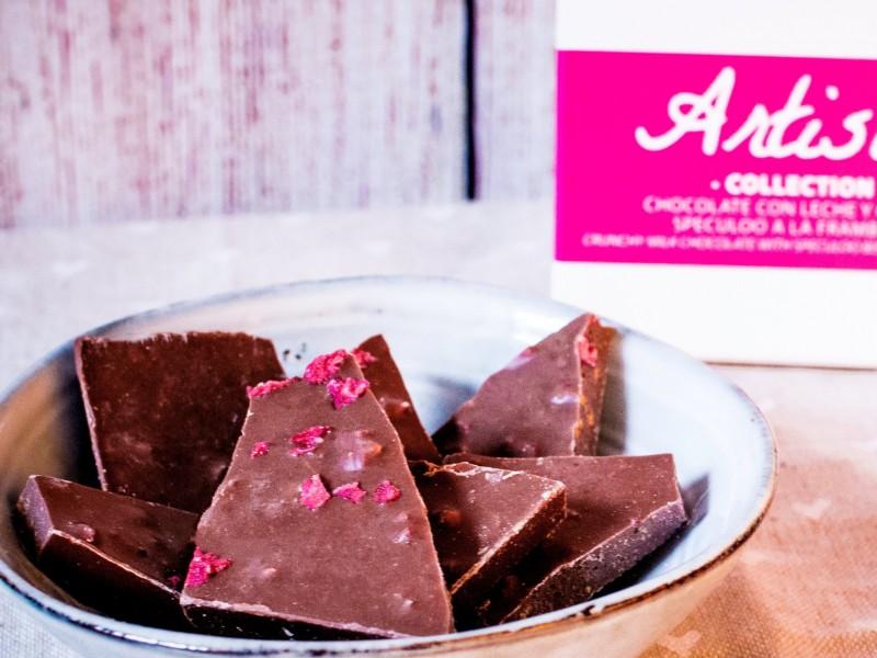 Chocolate con leche, galleta Speculoo y frambuesa. Artisan Collection. 125g